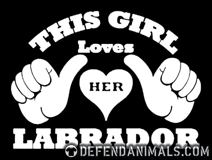 This loves her Labrador  - Dog Breeds T-shirt