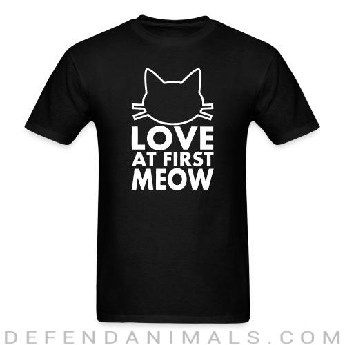 love at first meow  - Cats Lovers T-shirt